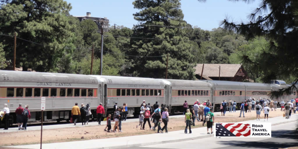 Grand Canyon Railway unloading passengers at the park