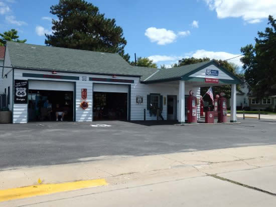 Ambler's Texaco Station in Dwight, Illinois