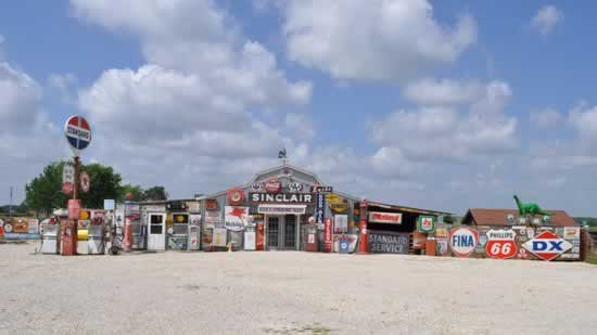 Bob's Gasoline Alley in Cuba, Missouri