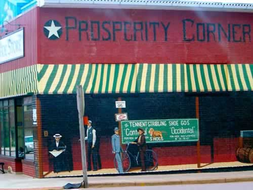 Murals on the wall in downtown Cuba, Missouri, on Historic Route 66