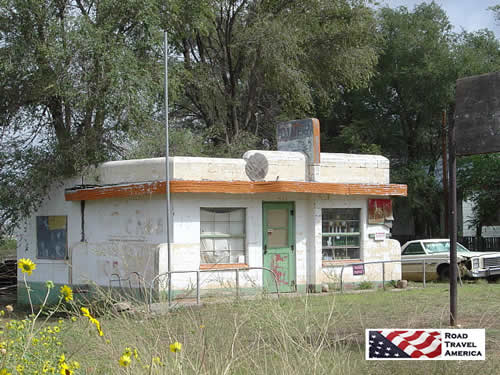 Abandoned Little Juarez Cafe in Glenrio